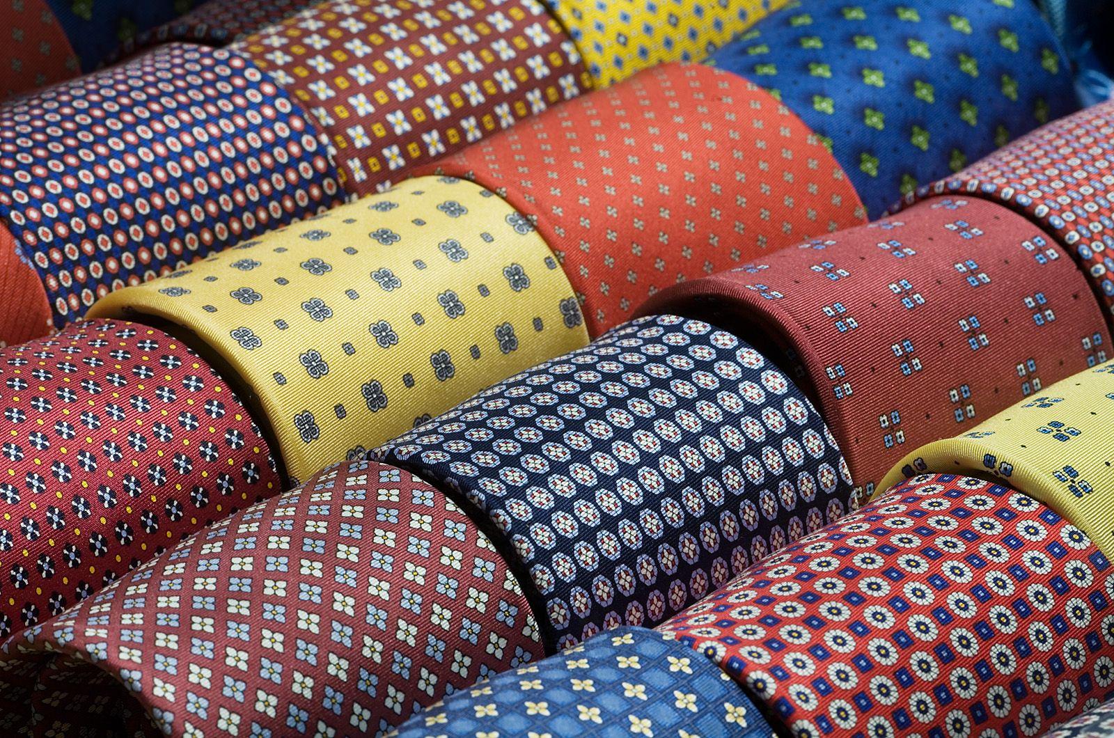 5 fa'con de nouer sa cravatte : r'eussir son noeud de cravatte