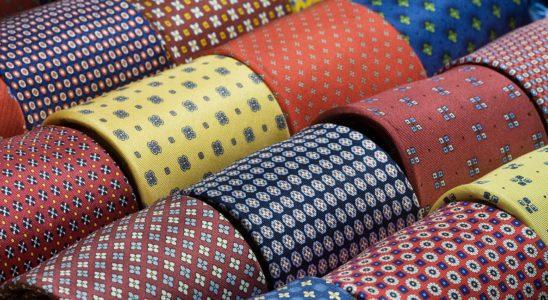 Comment faire un noeaud de cravatte